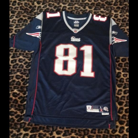 91376b729f5 A Randy Moss #81 NFL Patriots Jersey 🏈. M_5b7fb5430cb5aaa033f51f6a